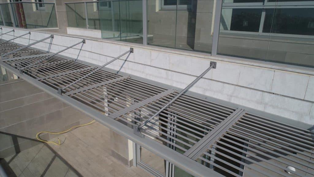 פתרונות הצללה זולים למרפסת